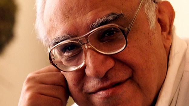 Natalicio de Carlos Monsiváis, cronista de la sociedad que se organiza