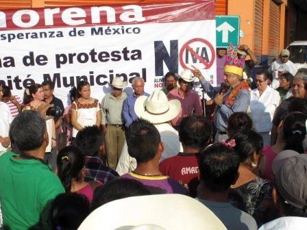 """Peña Nieto mintió """"nunca dijo que privatizaría petróleo"""": AMLO"""