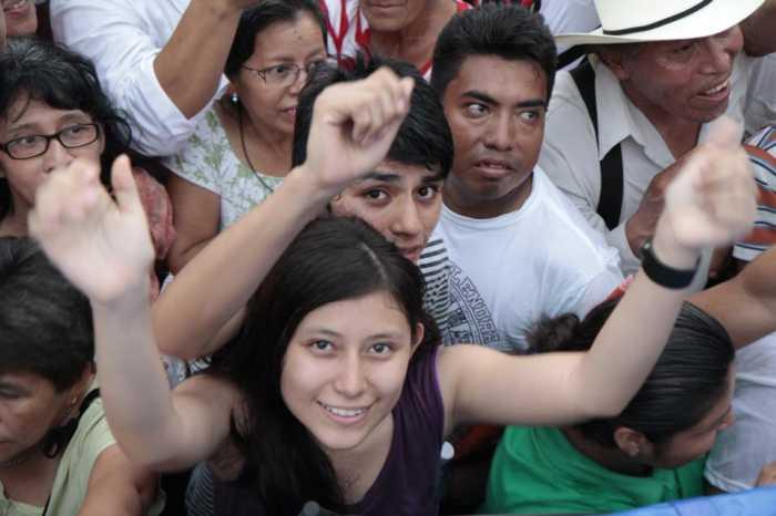 Jóvenes rechazan que Pemex se abra a capital privado