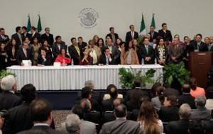 Diputados en centro Banamex (La Jornada)