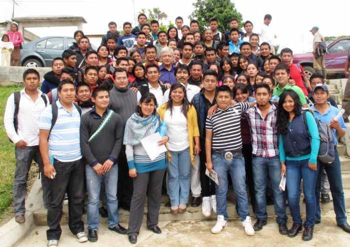 AMLO y Univesidad Intercultural Chiapas