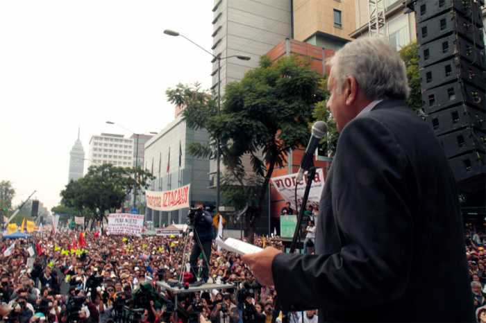 Reafirman decenas de miles compromiso con la No Violencia como estrategia de resistencia