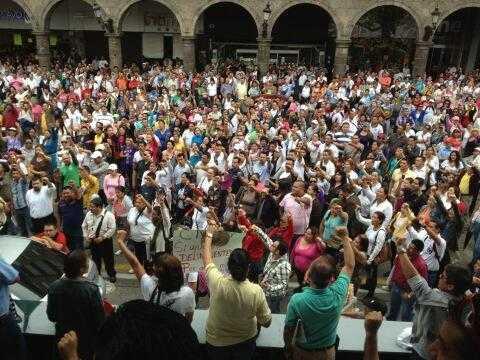 Manifestación masiva de maestros en Guadalajara Jalisco.