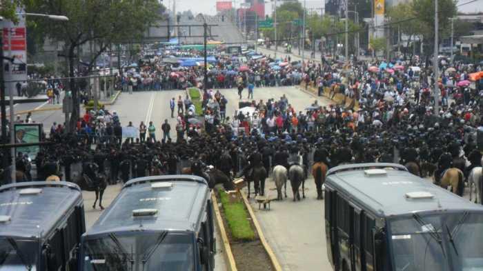 La revuelta magisterial: ocho meses, por Luis Hernández Navarro