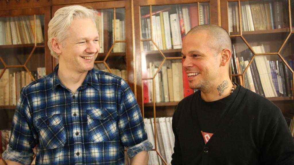 """Calle 13 y Assange lanzan la canción """"Multi_Viral"""""""