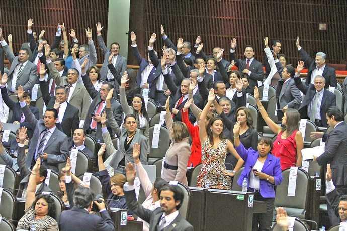20928072. México, D.F.- Sesión en la Cámara de Diputados, donde se discute la Reforma Laboral, enviada por el presidente Felipe Calderón. NOTIMEX/FOTO/JORGE GONZALEZ/JGN/POL/