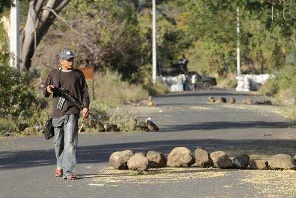 """Michoacán, """"laboratorio peñista para acabar con autonomías"""": Fazio"""
