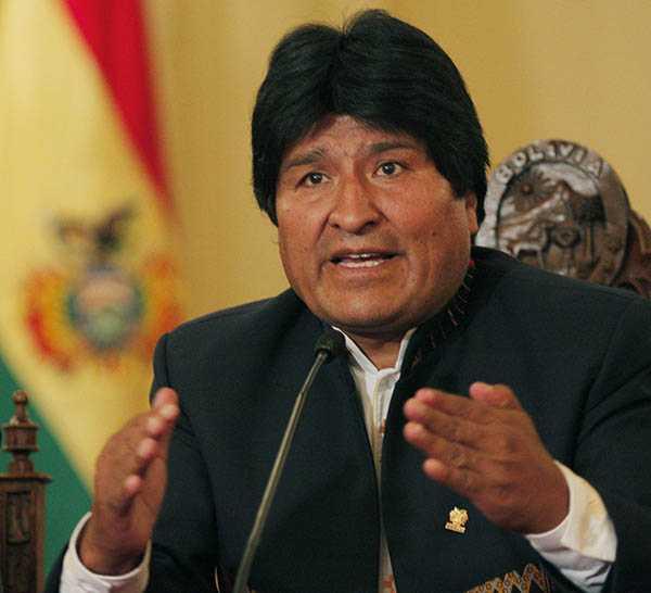 Estados Unidos intenta derrocar a Maduro, señala Evo Morales
