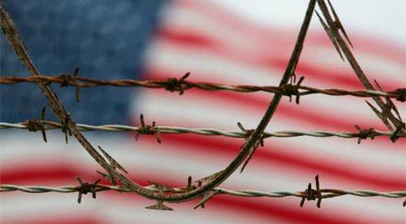 Bandera_Estados_Unidos_prision_Guantanamo
