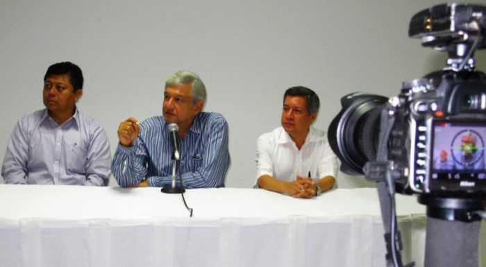 Morena va por el gobierno de Guerrero en 2015