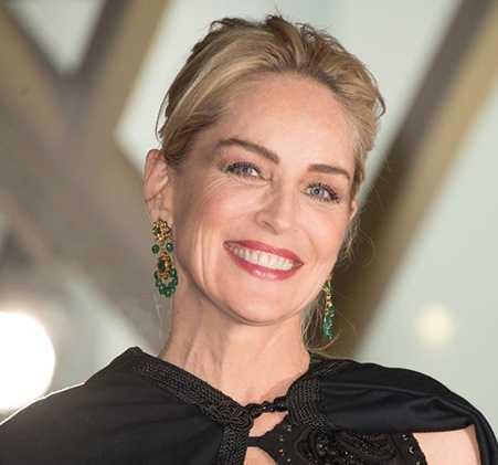 Ocultan quién prohibió a Sharon Stone viajar a Cuba