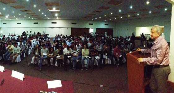 Inaugura-AMLO-curso-de-formación-de-jóvenes-Guadalajara-Jalisco-7