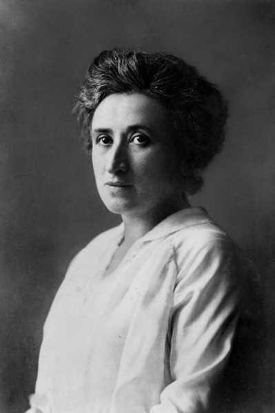Quien no se mueve, no siente las cadenas: Rosa Luxemburg