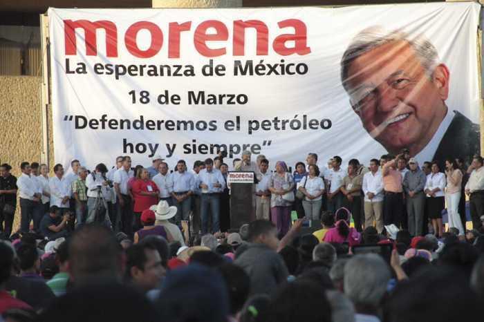 Da a conocer AMLO cinco acciones y juramento patriótico para defender el petróleo