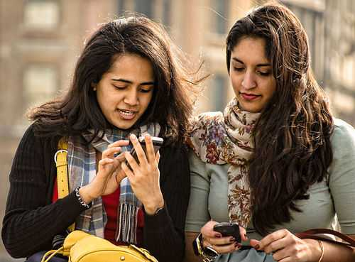 Indians-are-hooked-to-their-online-mobile-internet