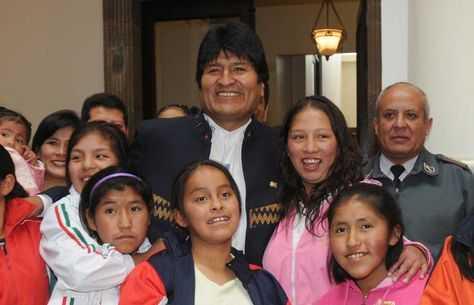 presidente-Evo-Morales-Ley-adolescentes_LRZIMA20120106_0042_11