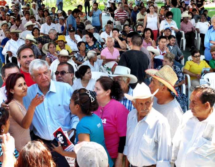 Con los habitantes de Temixco, Morelos