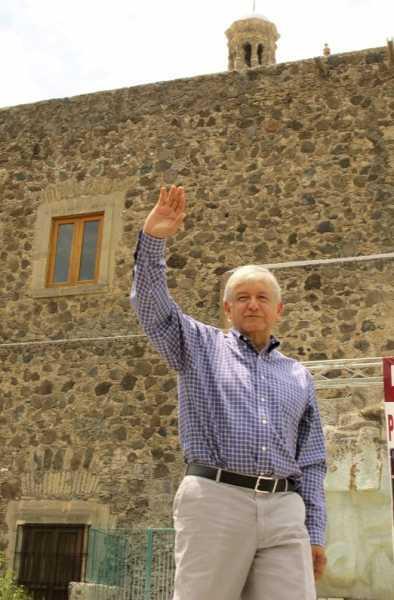 Peña Nieto y Videgaray, además de corruptos, ineptos en economía: AMLO
