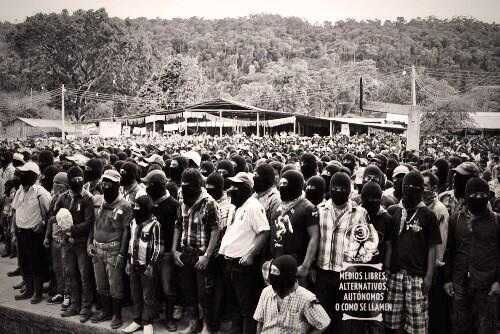 Miles de las Bases de Apoyo Zapatistas (BAZ) en La Realidad en homenaje a Galeano