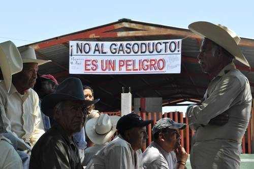 TransCanada 'encierra' a pobladores de Tlacuilotepec para que apoyen gasoducto