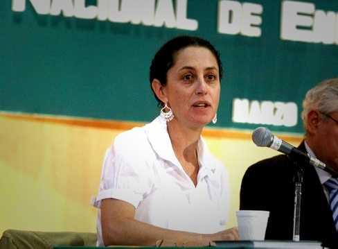 """Claudia Sheinbaum responde a las """"diez preguntas"""" de Cuarón a Peña Nieto (Parte 2)"""