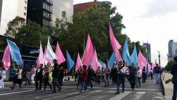 """""""Lo fuerte que puede ser un marcha en silencio. Lo ruidosa que pueden ser la dignidad"""" Foto: @YoSoyRed_"""