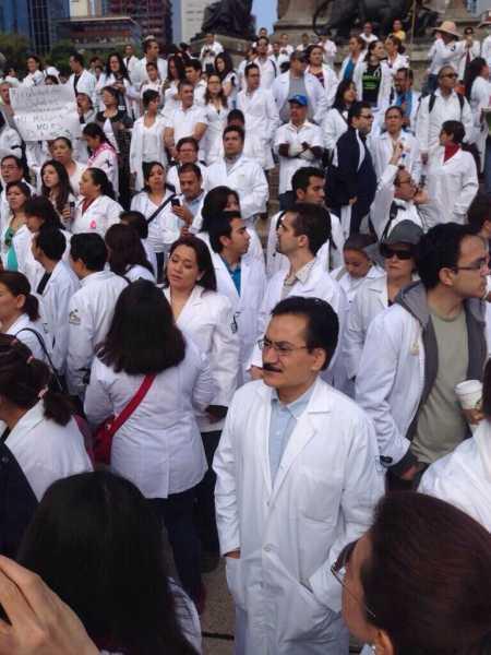 Movilizaciones de médicos #Yosoy17 en todo el país