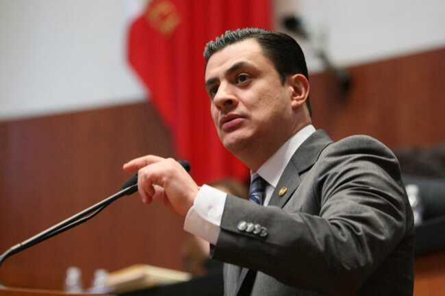 José María Martínez, presidente de la Comisión de la Familia y el Desarrollo Humano del Senado