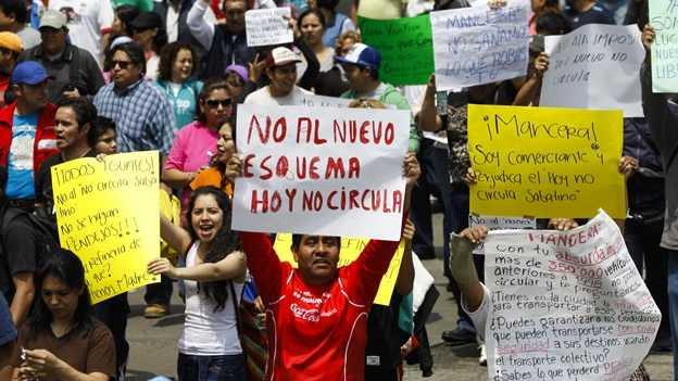 """Mancera """"suaviza"""" nuevo Hoy no Circula"""