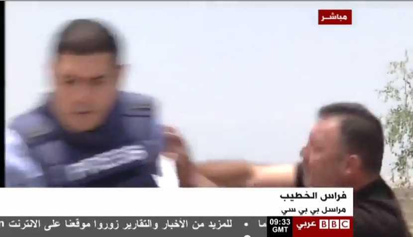Corresponsal de BBC, agredido en directo por un espectador israelí