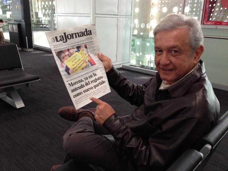 AMLO celebra el posible registro de Morena como partido