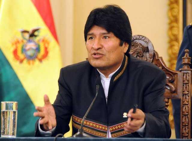 Evo Morales descarta debatir con políticos privatizadores