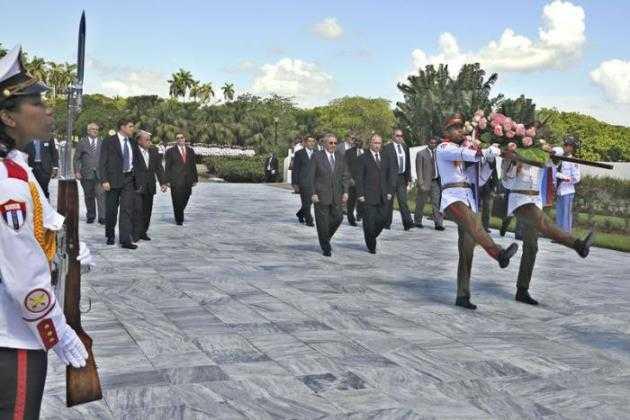 Vladímir Putin promete ayudar a Cuba a superar el bloqueo impuesto por Estados Unidos