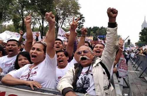Morena reúne 2 millones de firmas para exigir la Consulta Popular