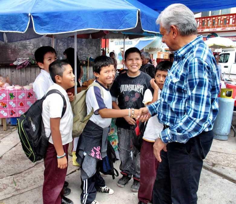 Monopolios no serán desmantelados por legisladores: AMLO