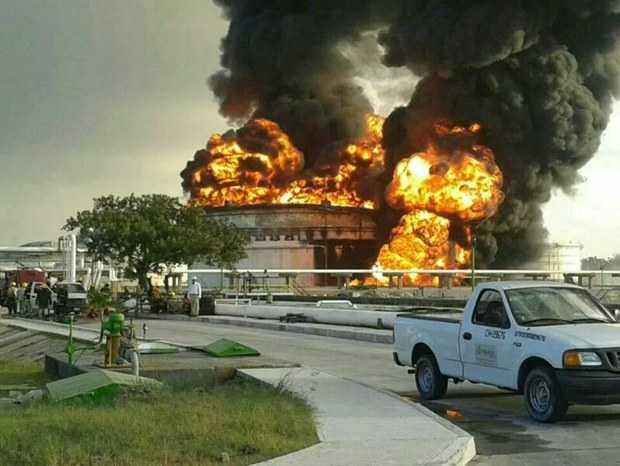 Incendio en la refinería de Cd. Madero, Tamaulipas; continúan labores de control