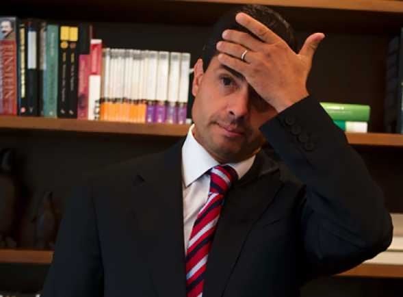 AMLO difunde audio de comercial que se burla de las reformas de Peña Nieto