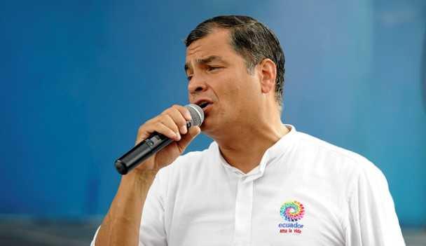 Correa: Ecuador no le pedirá permiso a nadie para vender alimentos a Rusia