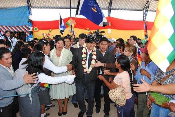 Evo Morales: Jóvenes nunca deben olvidar la época de las dictaduras