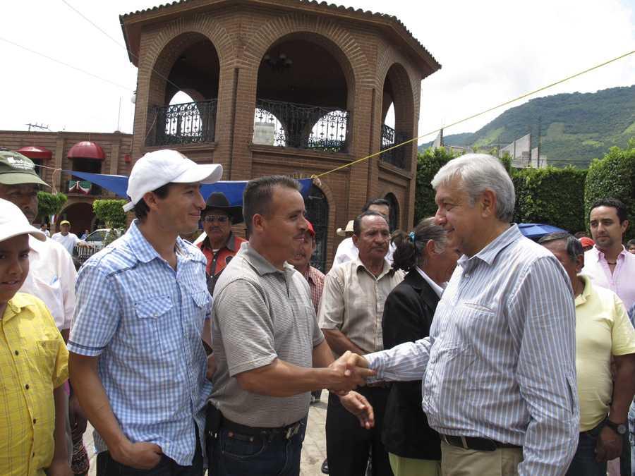 Mexicanos descontentos con el gobierno de Peña Nieto, percibe López Obrador