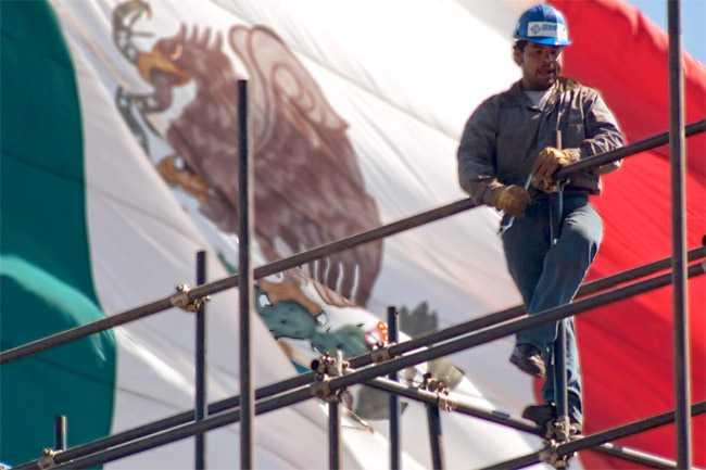 Mexicanos consideran que su situación económica es peor cada año: Inegi