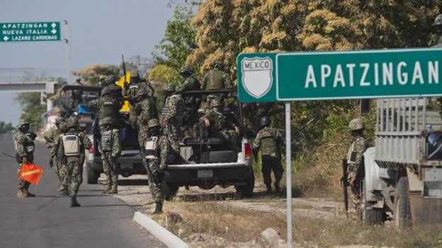 Masacre de Apatzingán: También dispararon los militares