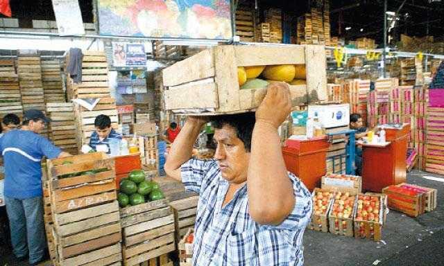 Comerciantes reportan descenso en ventas al mayoreo