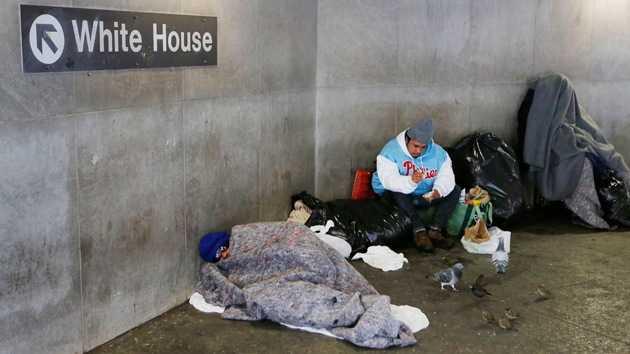 Estados Unidos persigue, multa y expulsa a las personas sin hogar