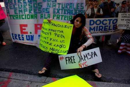 Mexicanos protestaron en Nueva York por la visita de Peña Nieto