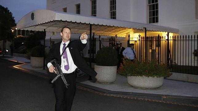 Evacuan la Casa Blanca por motivos de seguridad