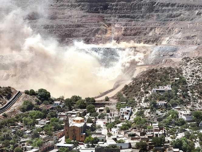 México financia grandes mineras pero no recauda ganancias