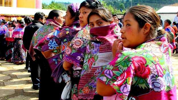 Se organizan mujeres indígenas en defensa de la tierra