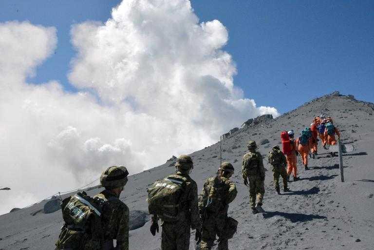 Erupción del volcán Ontake deja al menos 36 muertos en Japón