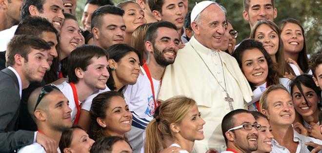 Popularidad de Papa Francisco aumenta entre católicos y protestantes - Regeneración